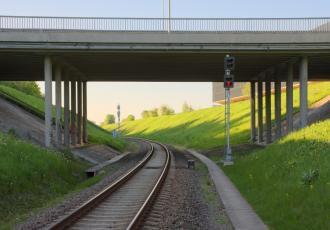 Путепровод на пересечении Южного объезда с железнодорожными путем перегона Вильнюс — Киртимай