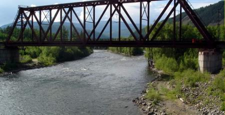 Железнодорожный мост через реку Имангру