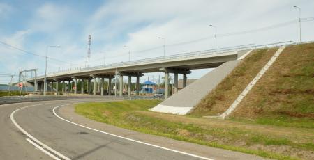 Автодорожный путепровод на станции Возрождение