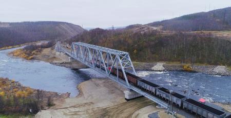Железнодорожный мост через реку Кола