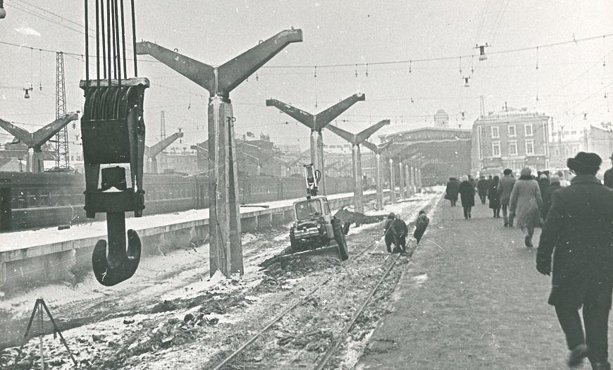 Московкий вокзал в Ленинграде, строительство навеса над платформой, 1974 год