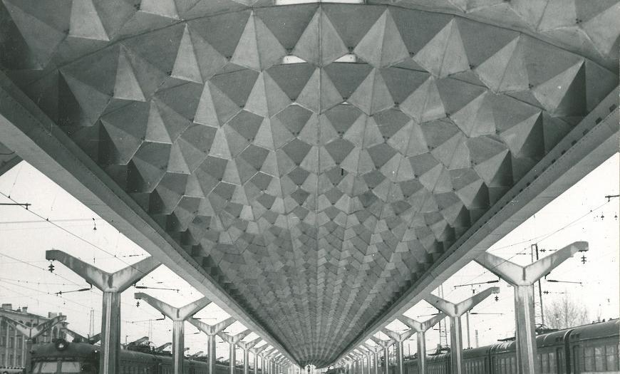 Московский вокзал в Ленинграде, алюминиевая пространственная конструция навесы над платформой №5, 1975 год