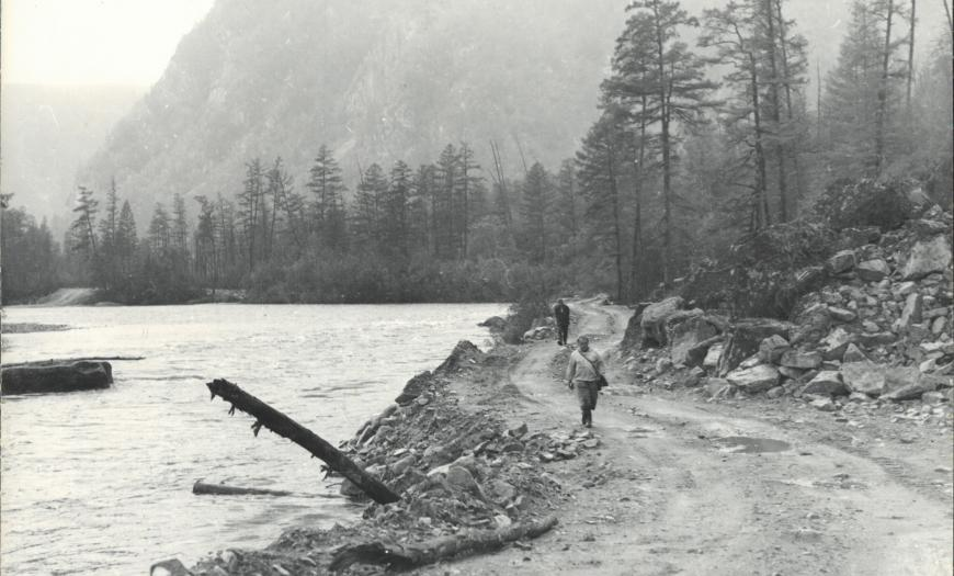 Железнодорожная эстакада в долине реки Хани