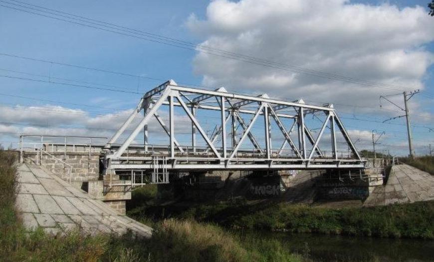 Мостовые переходы через реку Славянка